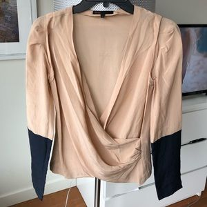 Gorgeous Sandro blouse nude and navy